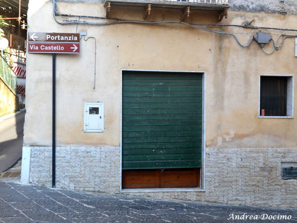 Pepe In Grani a Caiazzo. Il vecchio negozio di alimentari