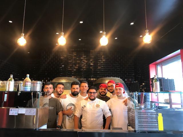 Pizzeria Carlo Sammarco 2.0 - Carlo Sammarco e lo staff