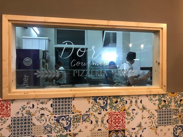 Pizzeria Doro Gourmet - Particolare della vetrata