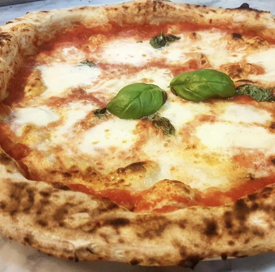 Pizzeria La Loggetta - Pizza Margherita