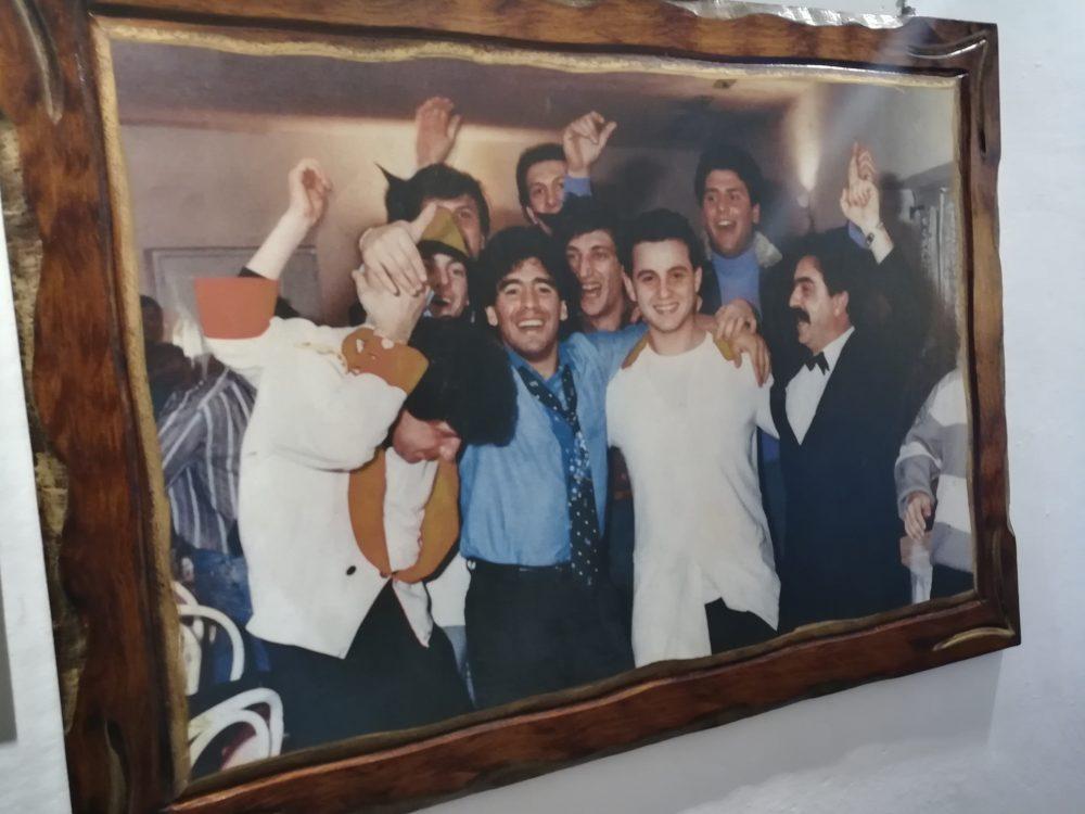 Pizzeria Notti Bianche - Uno dei ricordi di Lello con Maradona