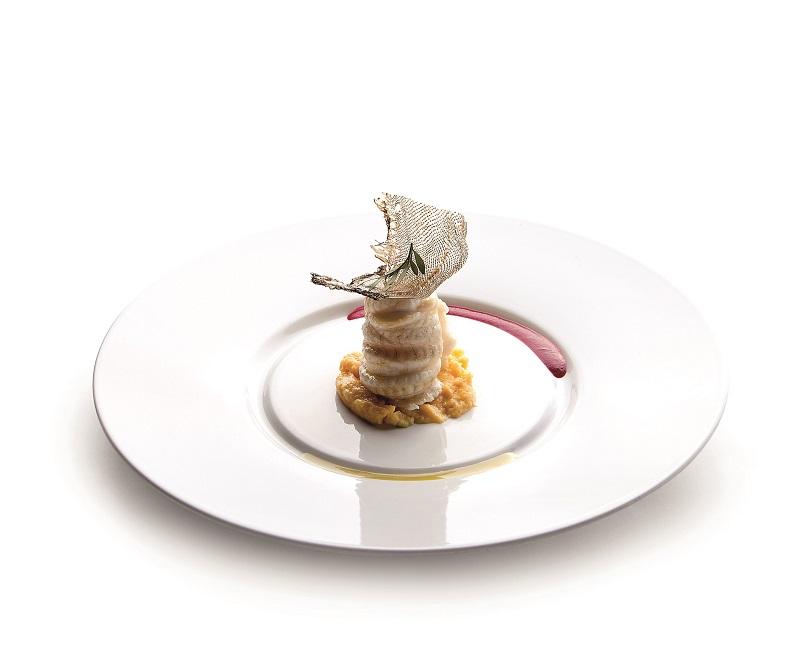 Sogliole fritte contornate da cavolfiore in padella