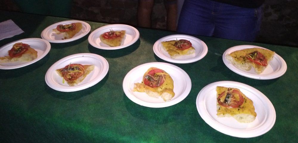 Topo Pizza 50 a Pioppi Pizze fritte preparate da Franco Pepe
