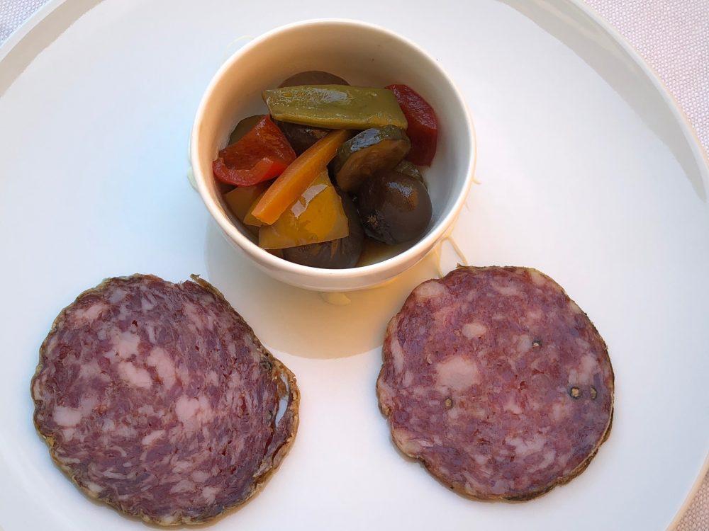 Trattoria Visconti, assaggio di salame nostrano, 10 e 20 mesi con verdure maison in agrodolce