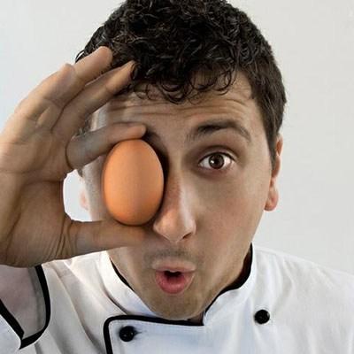 Lo chef Valentino Interlandi