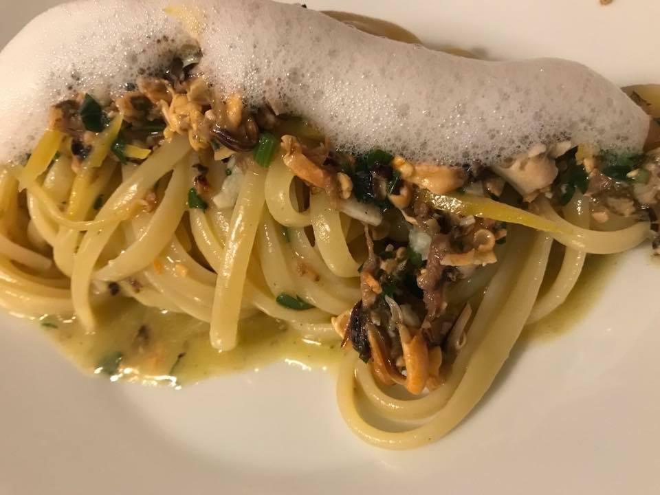 Dimora Nannina di Gianpaolo Zoccola, linguine al battuto di cozze e aria di limone