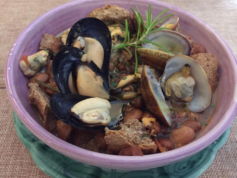 Il Cellaio di Don Gennaro, zuppetta di fagioli spollichini e frutti di mare
