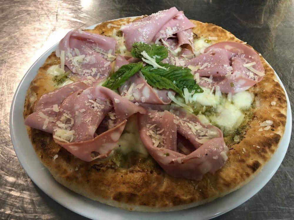 Antica Hosteria Massa - Pizza Mortadella