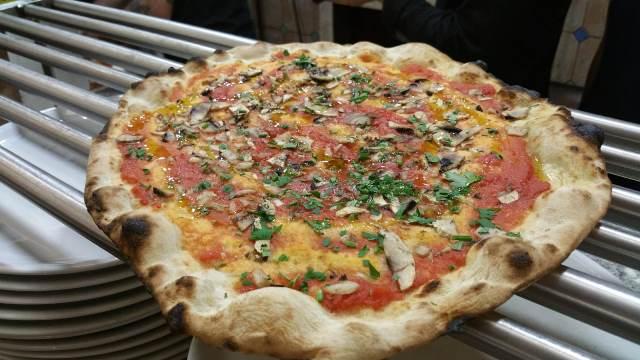 La pizza della Gatta Mangiona