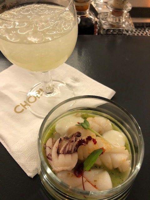 Mojto con calamaro e crema di zucchine e anduya