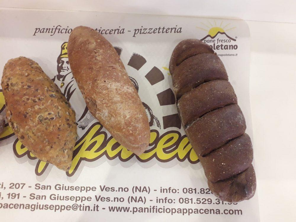 Pappacena, vari tipi di pane
