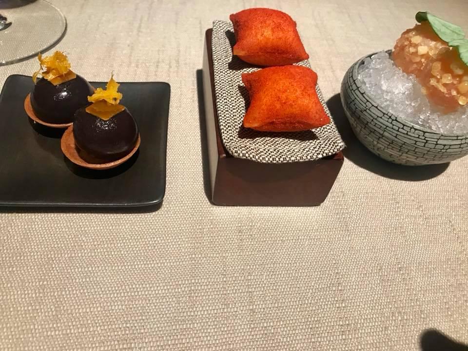 Vun Andrea Aprea. Aperitivo anni '80 - spritz, patatine fritte e olive nere