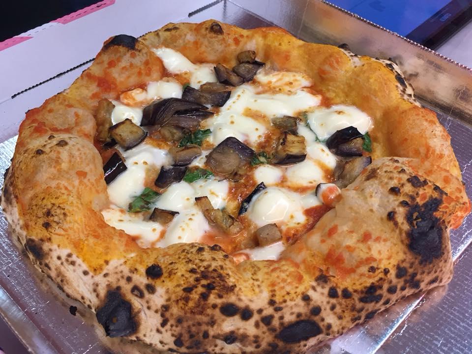 Pizzeria Dalmata, con melanzane a funghetto