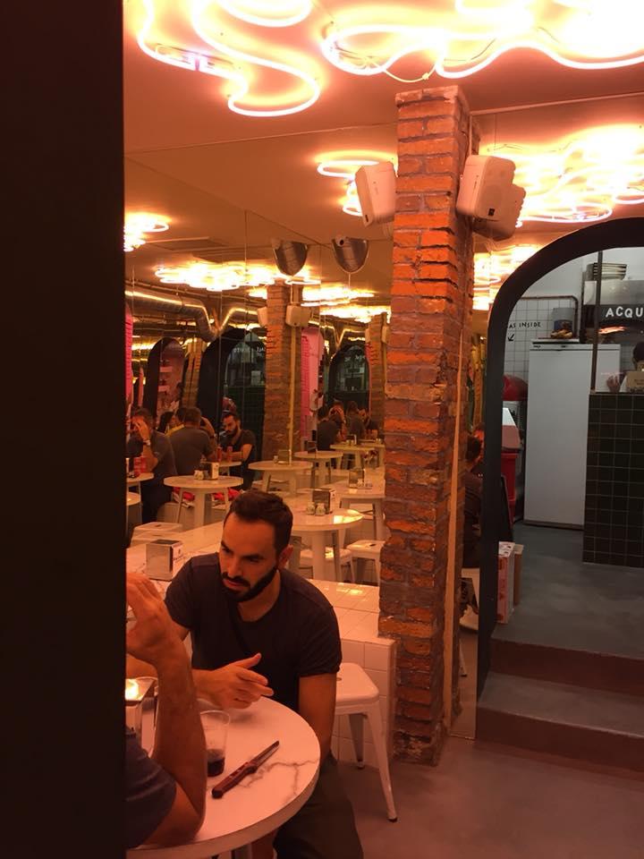 Pizzeria Dalmata, scorcio della saletta