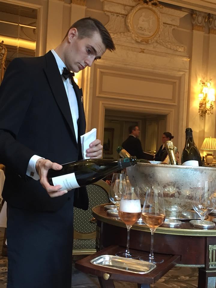 Le Cinq, il servizio dello champagne