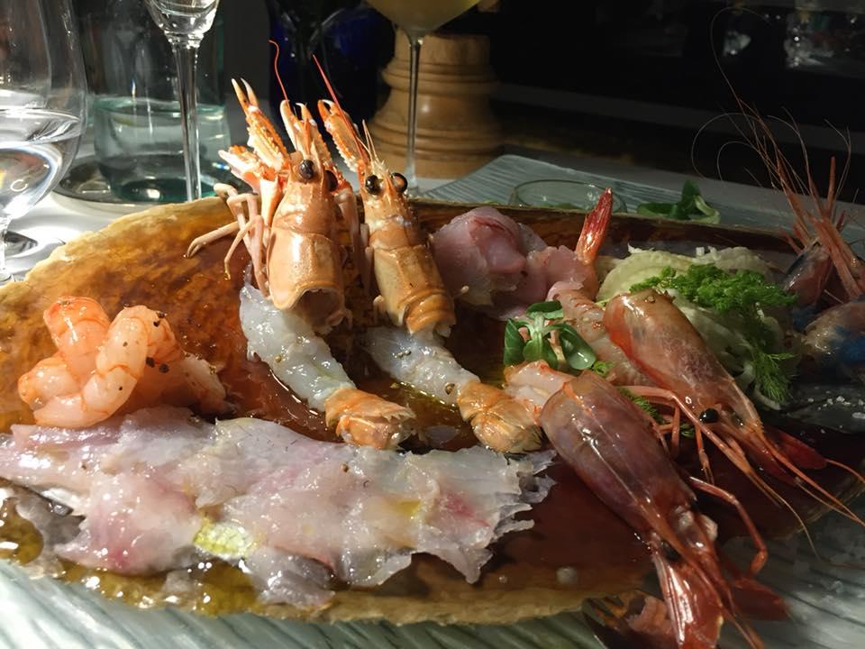 Taverna del Capitano, il crudo, con insalata di finocchi e salsa al limone