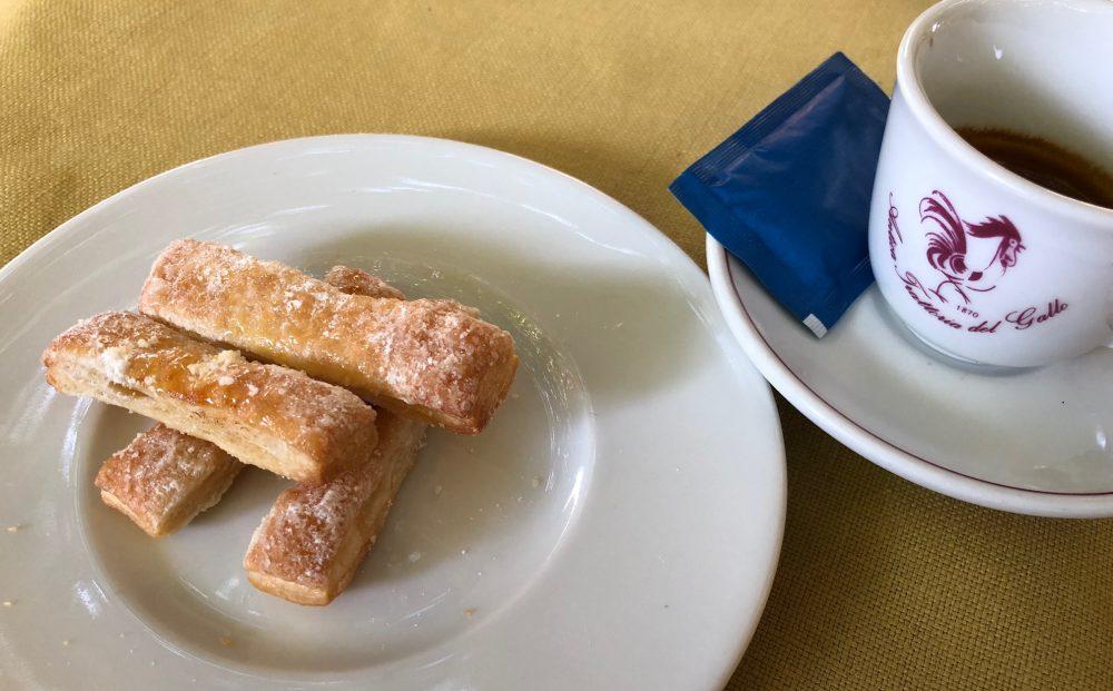 Antica Trattoria del Gallo, il servizio del caffe'