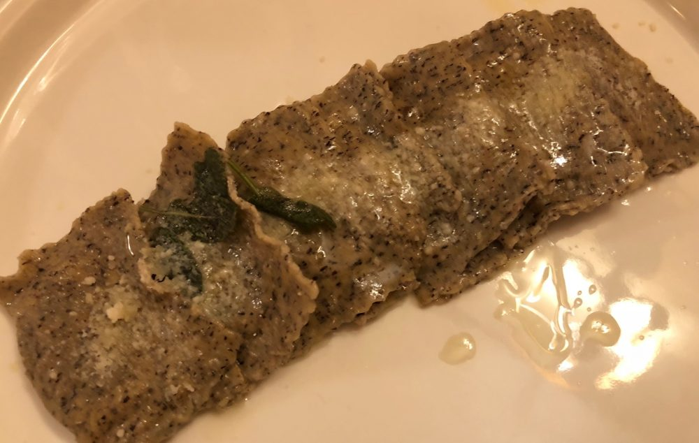 Buona Condotta, Ornago, tortelli di grano saraceno ripieni di capriolo con burro di malga e salvia