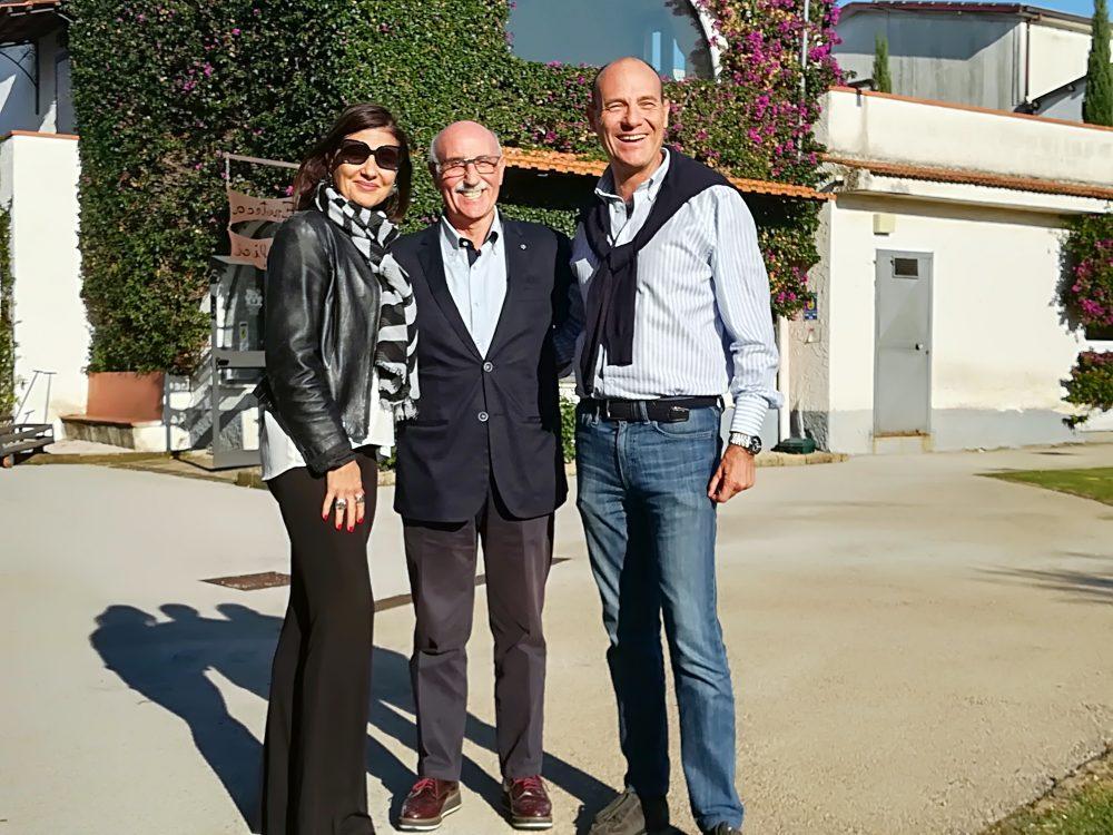Enrico Malgi in mezzo a Maria Ida e Tani Salvatore Avallone