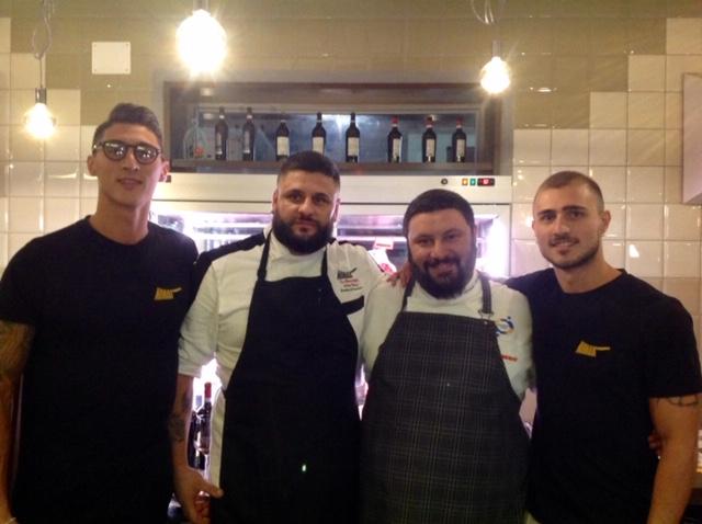 Mannaia - I fratelli Cascone, lo chef Francesco Mancino e Venerando Velastro