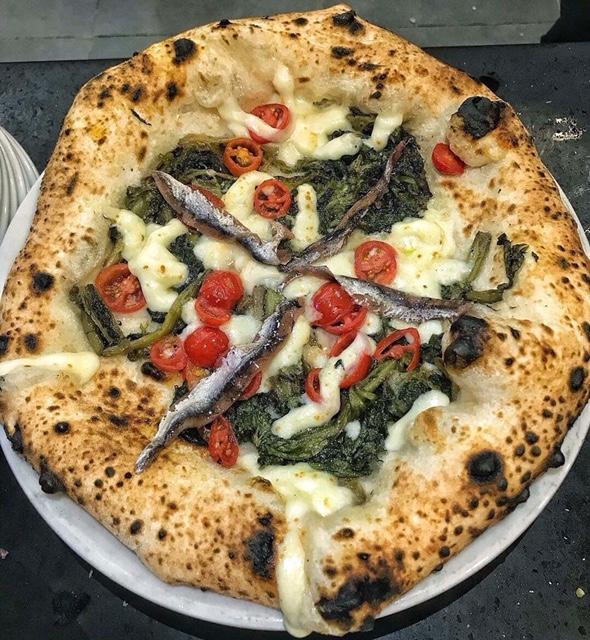 Pizzeria Carlo Sammarco - Carlo Sammarco - Pizza Scarole e acciughe