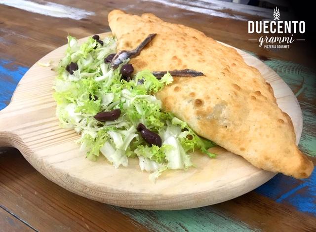 Pizzeria Duecento Grammi - Giuseppe Di Fuccia - Pizza fritta con scarola sciriata