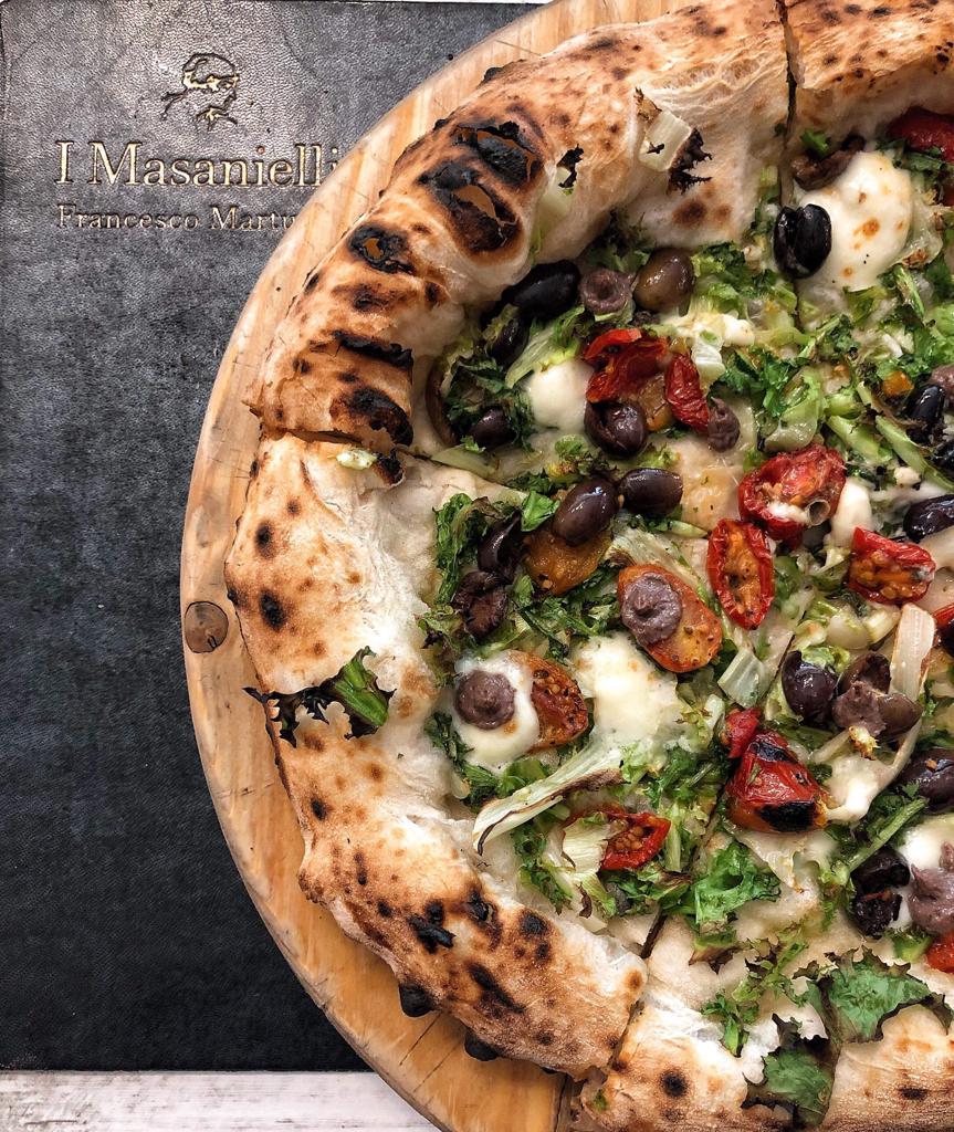 Pizzeria I Masanielli di Francesco Martucci - Pizza Riccia di mamma