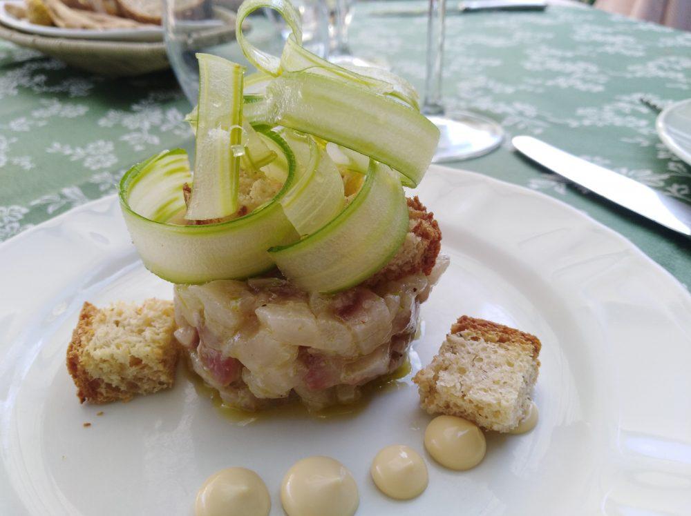 Ristorante Corte Visconti Tartare di ombrina con pan brioche alle nocciole