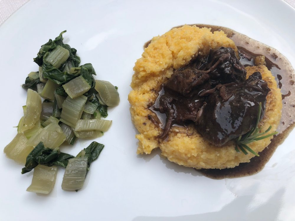 Trattoria Visconti, manzo all'olio con verdure e polenta