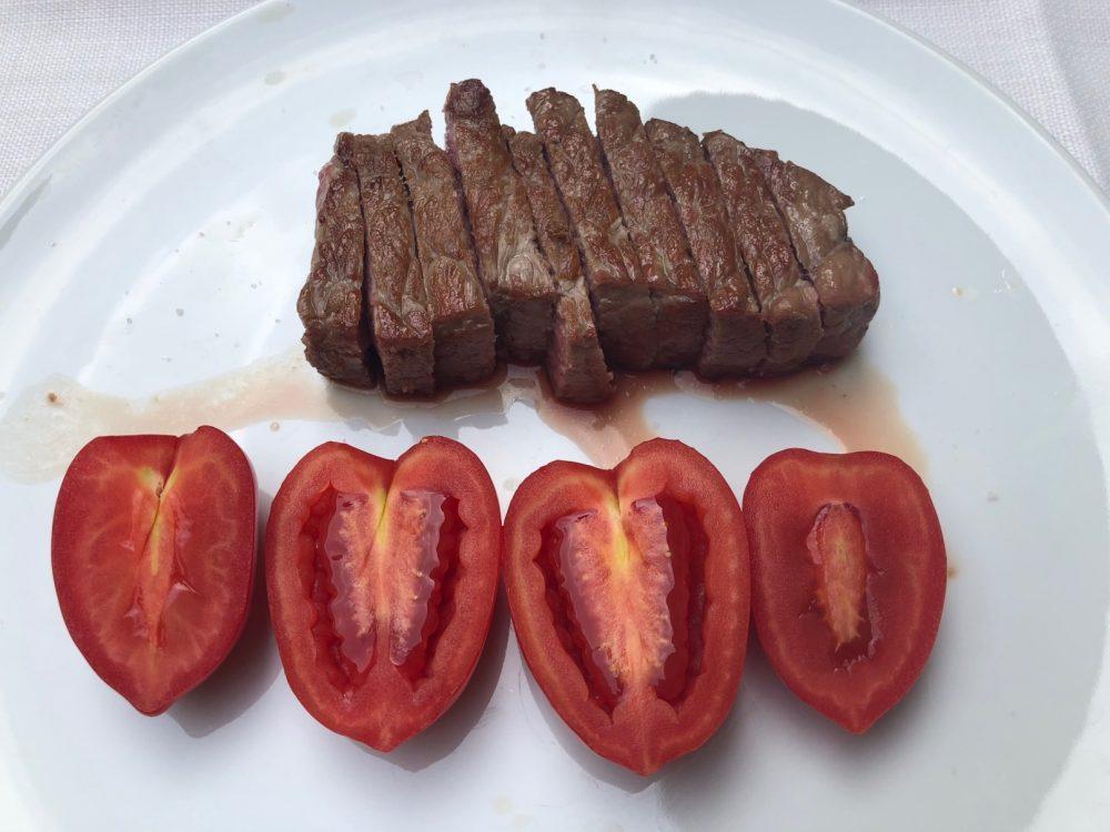 Trattoria Visconti, tagliata di manzo con sale di Cervia e pomodori dell'orto