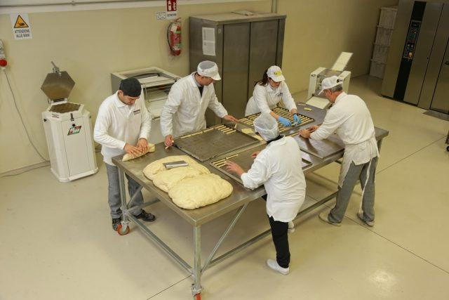 produzione dei biscotti di Castellammare