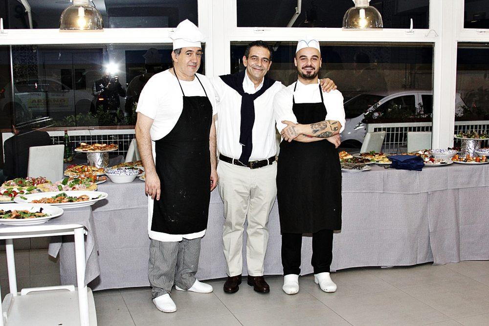 Carlo Varriale con i cuochi