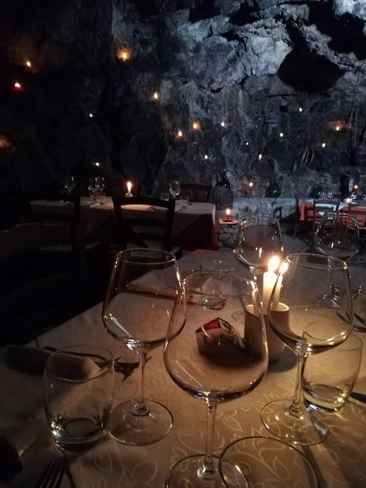 Agriturismo La Grotta - la grotta a lume di candela