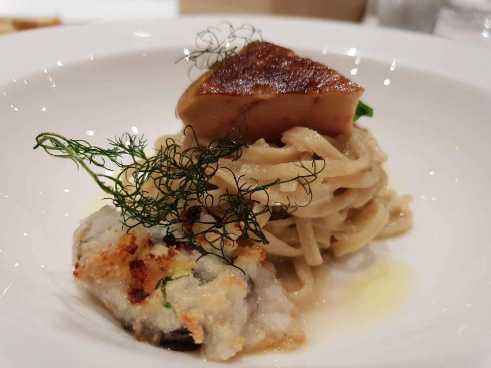 Combal.Zero - chitarrina foie gras ostrica e cocco