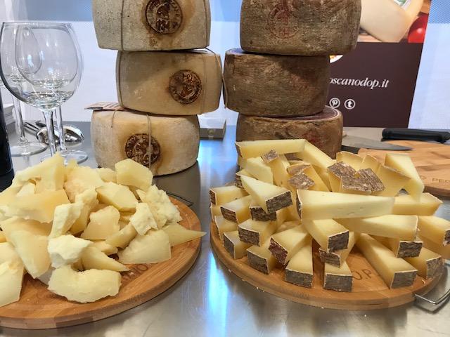 Consorzio della Mozzarella di bufala campana dop- Pecorino Toscano dop