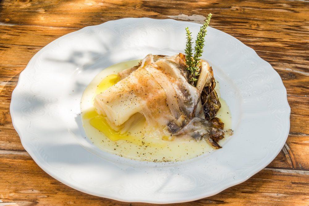 Crema di patate al limone, Stoccafisso di Norvegia, radicchio confit, e guanciale di mora romagnola