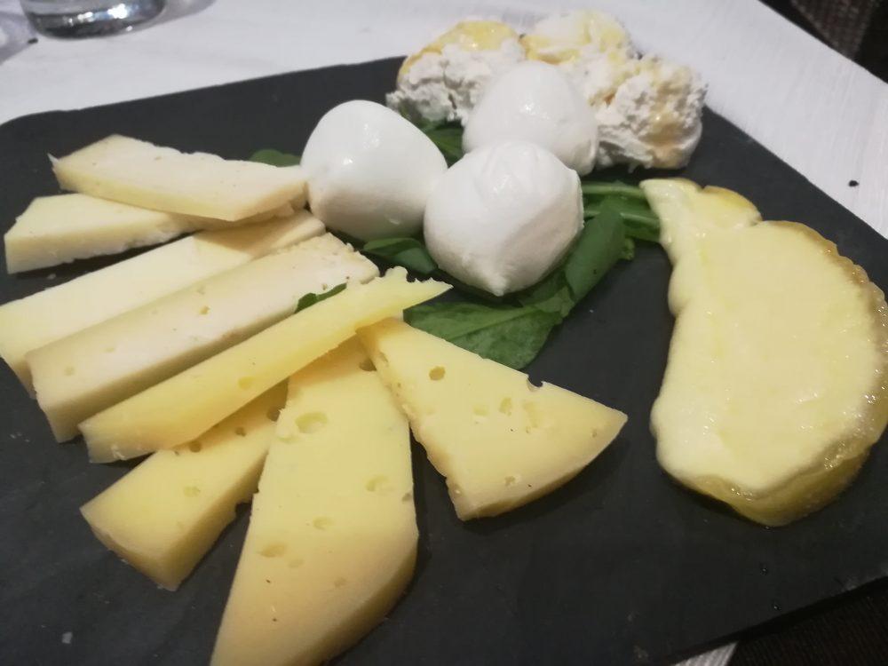 Pizzeria Bella Napoli da Camillo, formaggi locali