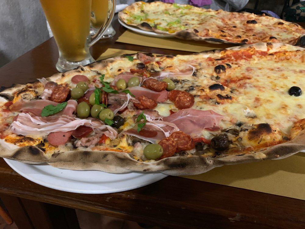 Il Monastero, La dimensione della pizza su due piatti
