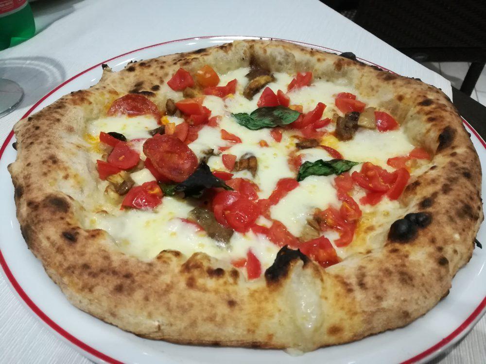 Pizzeria Bella Napoli da Camillo, pizza Camillo