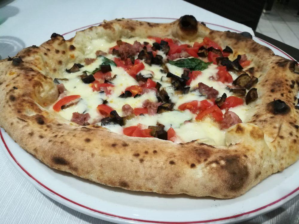 Pizzeria Bella Napoli da Camillo, pizza Saporita