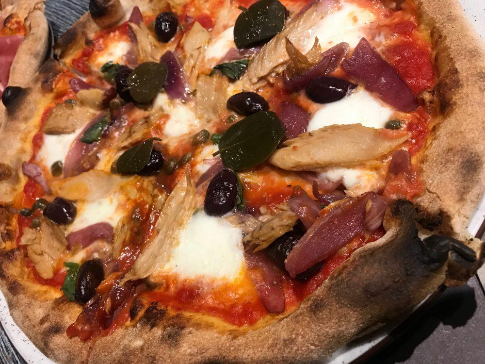 Pizzeria Arrigoni&Basso - tonno e cipolla deluxe