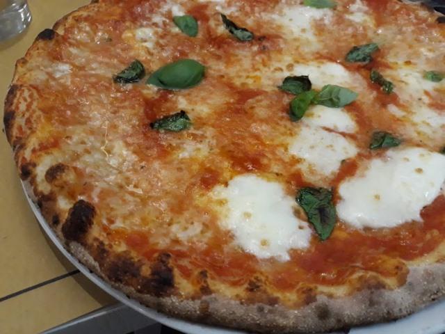 Pizzeria Magnifica - La Margherita