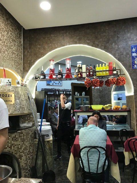 Pizzeria Mattozzi a Pizza Carita' dal 1833 - Sala pian terreno