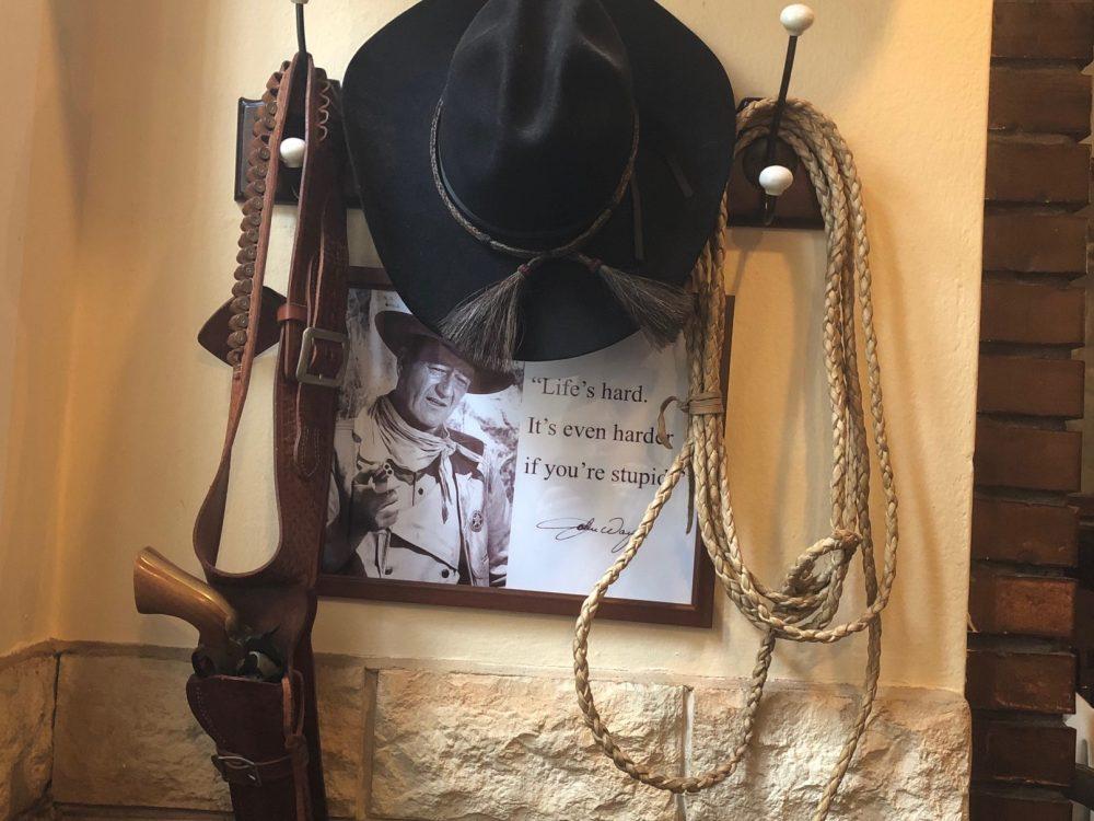 Taverna dei Viandanti, omaggio al cow boy per eccellenza