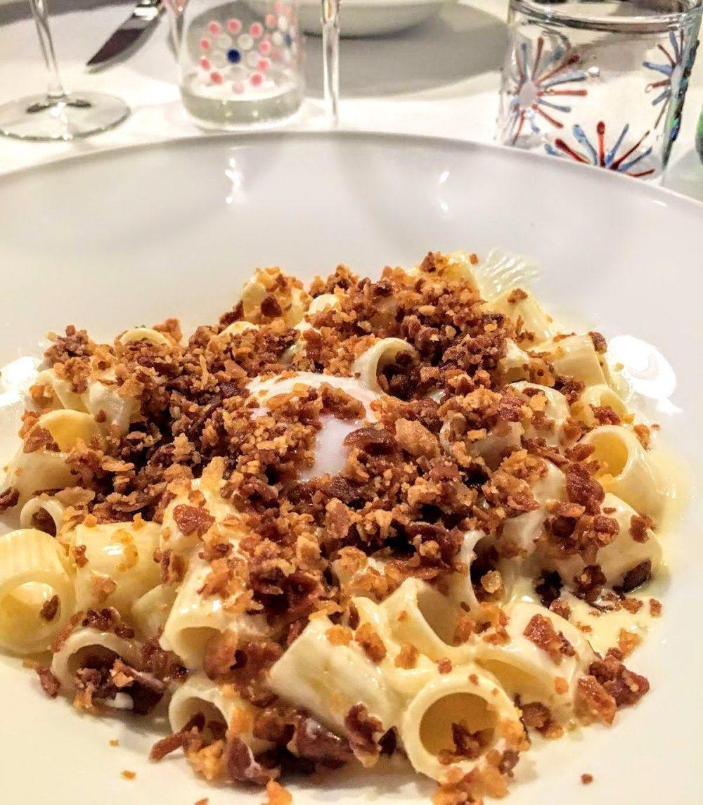 Osteria della Corte, Mezze maniche, parmigiano Monte Cimone, uovo morbido e bacon