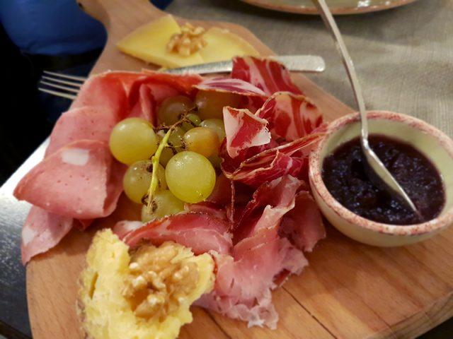 Locanda Romanelli - tradizionale tagliere di salumi e formaggi