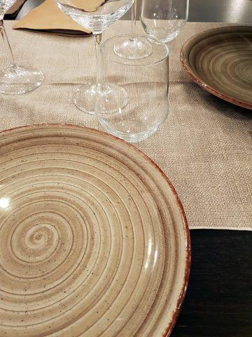 Locanda Romanelli - particolari tavolo