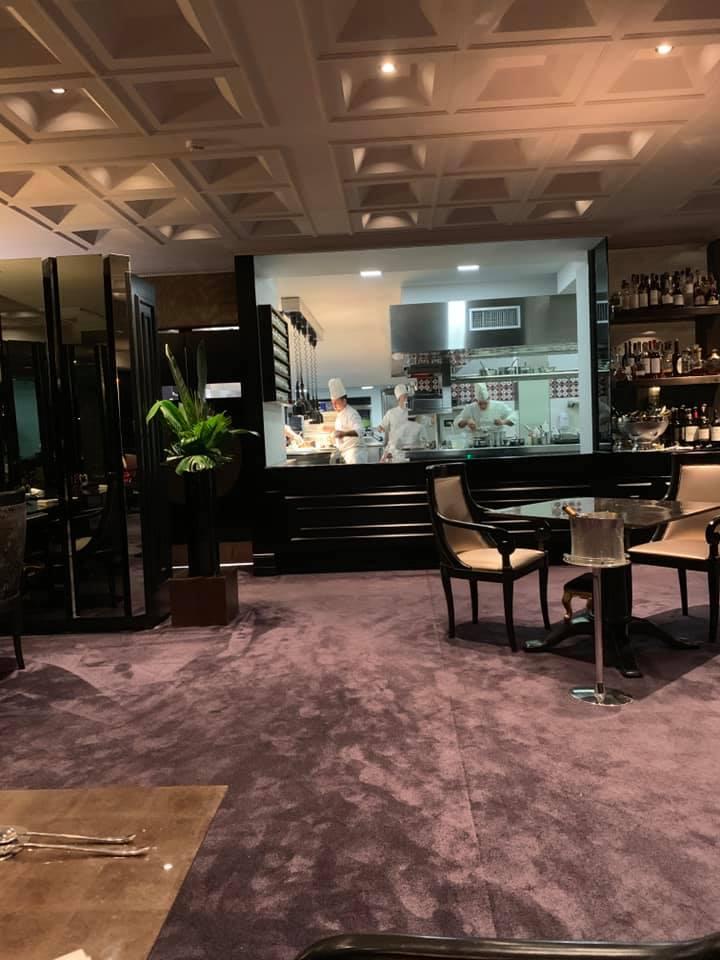Grand Hotel Parkers, sala e cucina