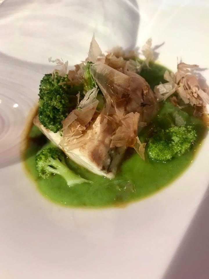 Massimo Carleo Home Restaurant Ombrina caramellata all'aglianico con broccoletti e Katsuobuchi