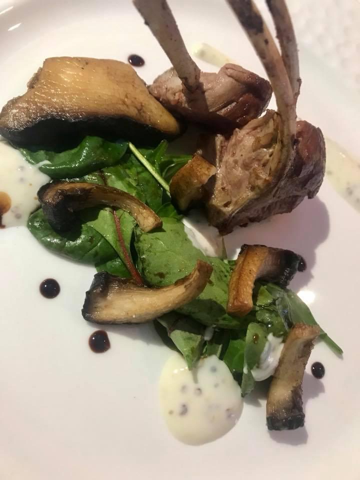 Massimo Carleo Home Restaurant Sella di agnello delle Dolomiti lucane con salsa di yogurt e senape, cardoncelli